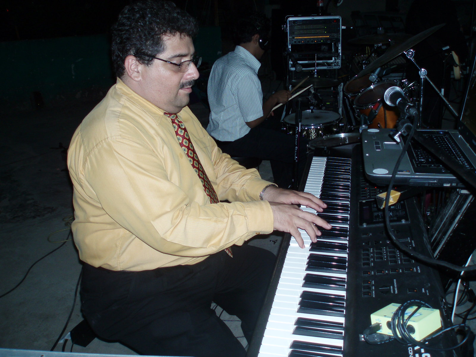 David Gamboa en el piano